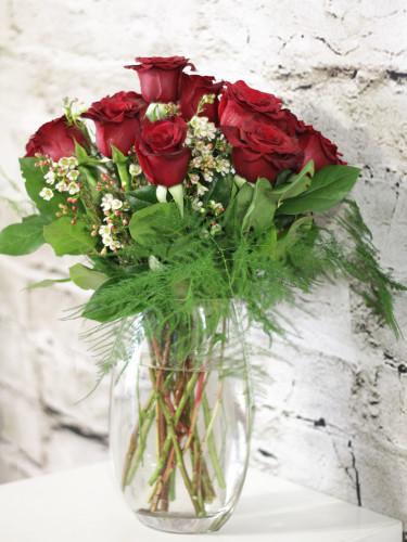 Product_Dozen Roses Vased_IMG-8570