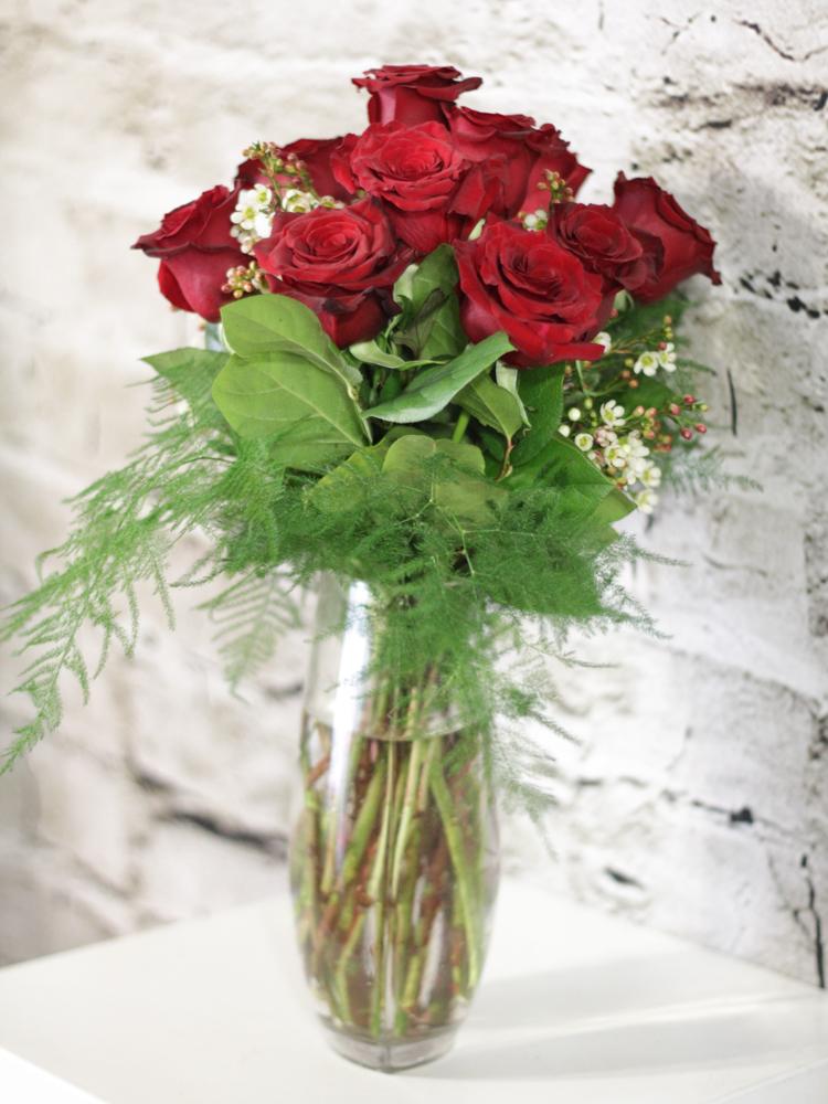 Product_Dozen Roses Vased_IMG-8575